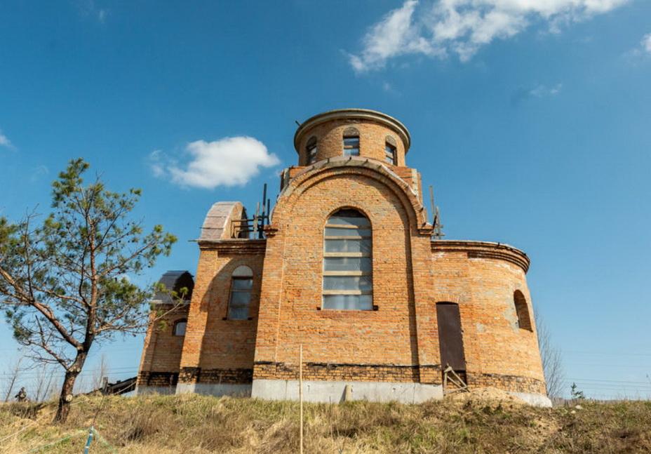 В Українській Православній Церкві відновлюють зруйнований радянською владою Межигірський монастир